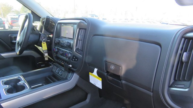 2018 Silverado 1500 Crew Cab 4x4, Pickup #T217431 - photo 30