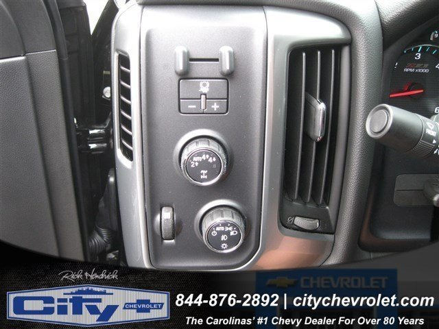 2017 Silverado 1500 Crew Cab 4x4, Pickup #T222765 - photo 12
