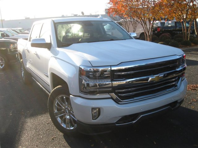 2017 Silverado 1500 Crew Cab 4x4, Pickup #T232741 - photo 3