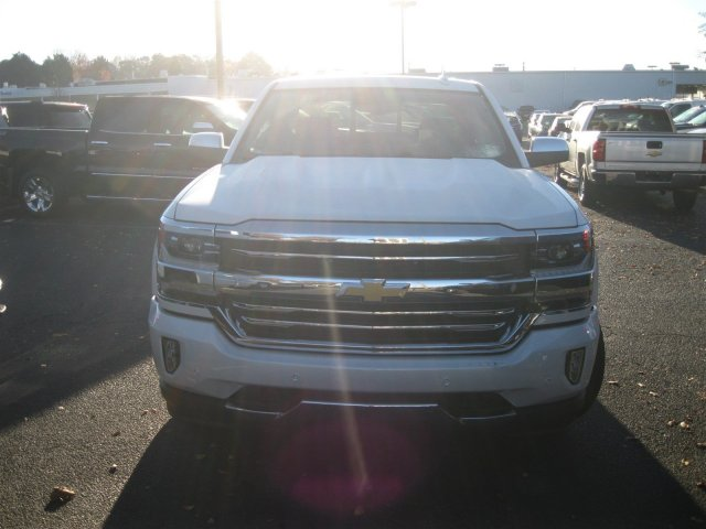 2017 Silverado 1500 Crew Cab 4x4, Pickup #T232741 - photo 4