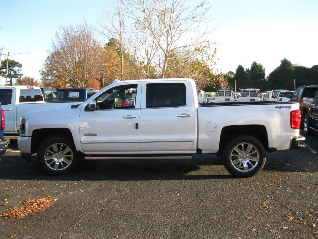 2017 Silverado 1500 Crew Cab 4x4, Pickup #T232741 - photo 8