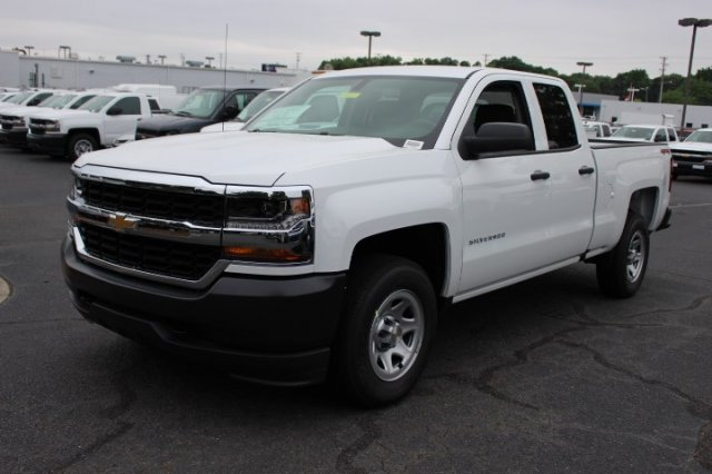 2018 Silverado 1500 Double Cab 4x4,  Pickup #T357079 - photo 3