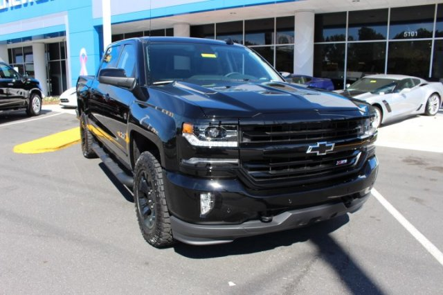2018 Silverado 1500 Crew Cab 4x4,  Pickup #T557337 - photo 3