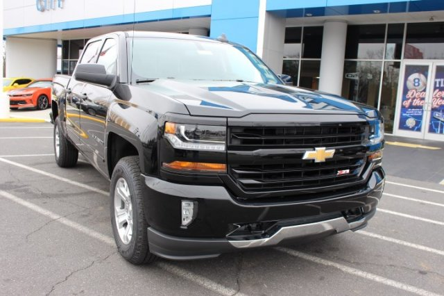 2018 Silverado 1500 Crew Cab 4x4,  Pickup #T643537 - photo 3