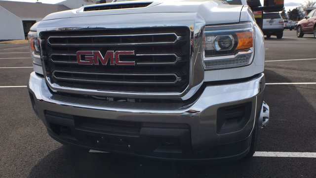 2017 Sierra 3500 Crew Cab DRW, Freedom Contractor Body #HF216002 - photo 9