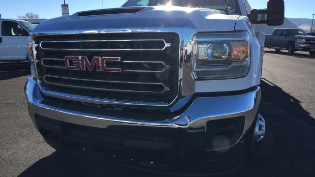 2017 Sierra 3500 Crew Cab DRW 4x4 Contractor Body #HF242874 - photo 9
