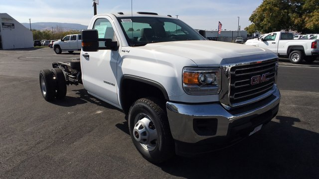2018 Sierra 3500 Regular Cab DRW 4x4,  Cab Chassis #JF101257 - photo 3