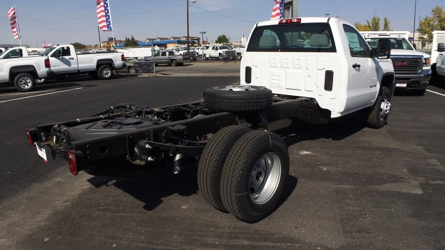 2018 Sierra 3500 Regular Cab DRW 4x4,  Cab Chassis #JF101257 - photo 5