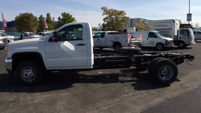 2018 Sierra 3500 Regular Cab DRW 4x4,  Cab Chassis #JF101257 - photo 7