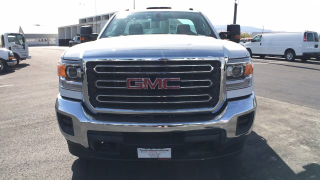 2018 Sierra 3500 Regular Cab DRW 4x4, Cab Chassis #JF101257 - photo 8