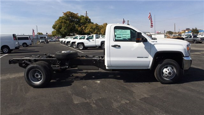 2018 Sierra 3500 Regular Cab DRW 4x4,  Cab Chassis #JF101257 - photo 4