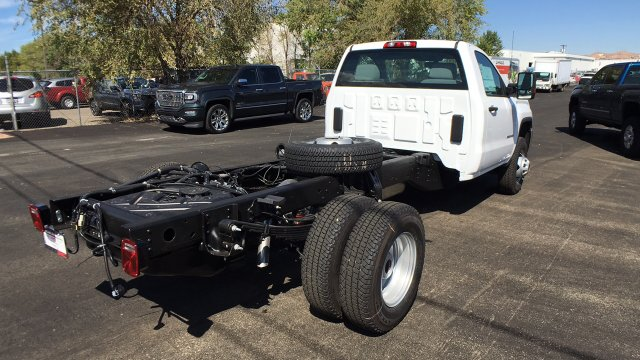 2018 Sierra 3500 Regular Cab 4x4, Cab Chassis #JF112621 - photo 5