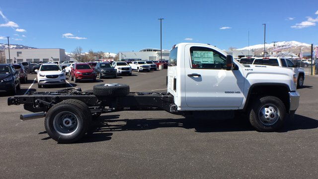 2018 Sierra 3500 Regular Cab DRW 4x4, Cab Chassis #JF142127 - photo 4