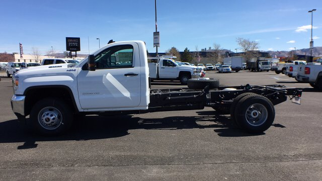 2018 Sierra 3500 Regular Cab DRW 4x4, Cab Chassis #JF142127 - photo 7