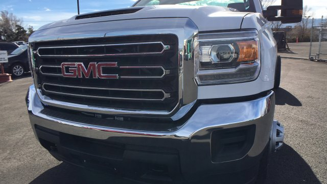2018 Sierra 3500 Regular Cab DRW 4x4 Cab Chassis #JF142729 - photo 9