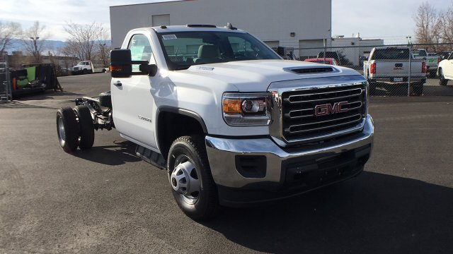 2018 Sierra 3500 Regular Cab DRW 4x4 Cab Chassis #JF142729 - photo 3