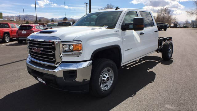 2018 Sierra 2500 Crew Cab 4x4,  Cab Chassis #JF213269 - photo 1