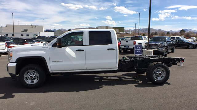 2018 Sierra 2500 Crew Cab 4x4,  Cab Chassis #JF213269 - photo 31