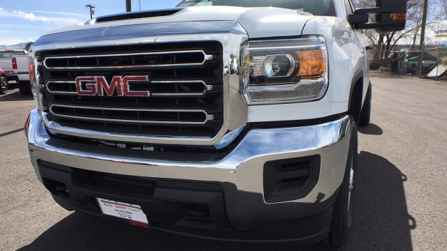 2018 Sierra 2500 Crew Cab 4x4,  Cab Chassis #JF213269 - photo 33