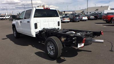 2018 Sierra 2500 Crew Cab 4x4,  Cab Chassis #JF213269 - photo 2