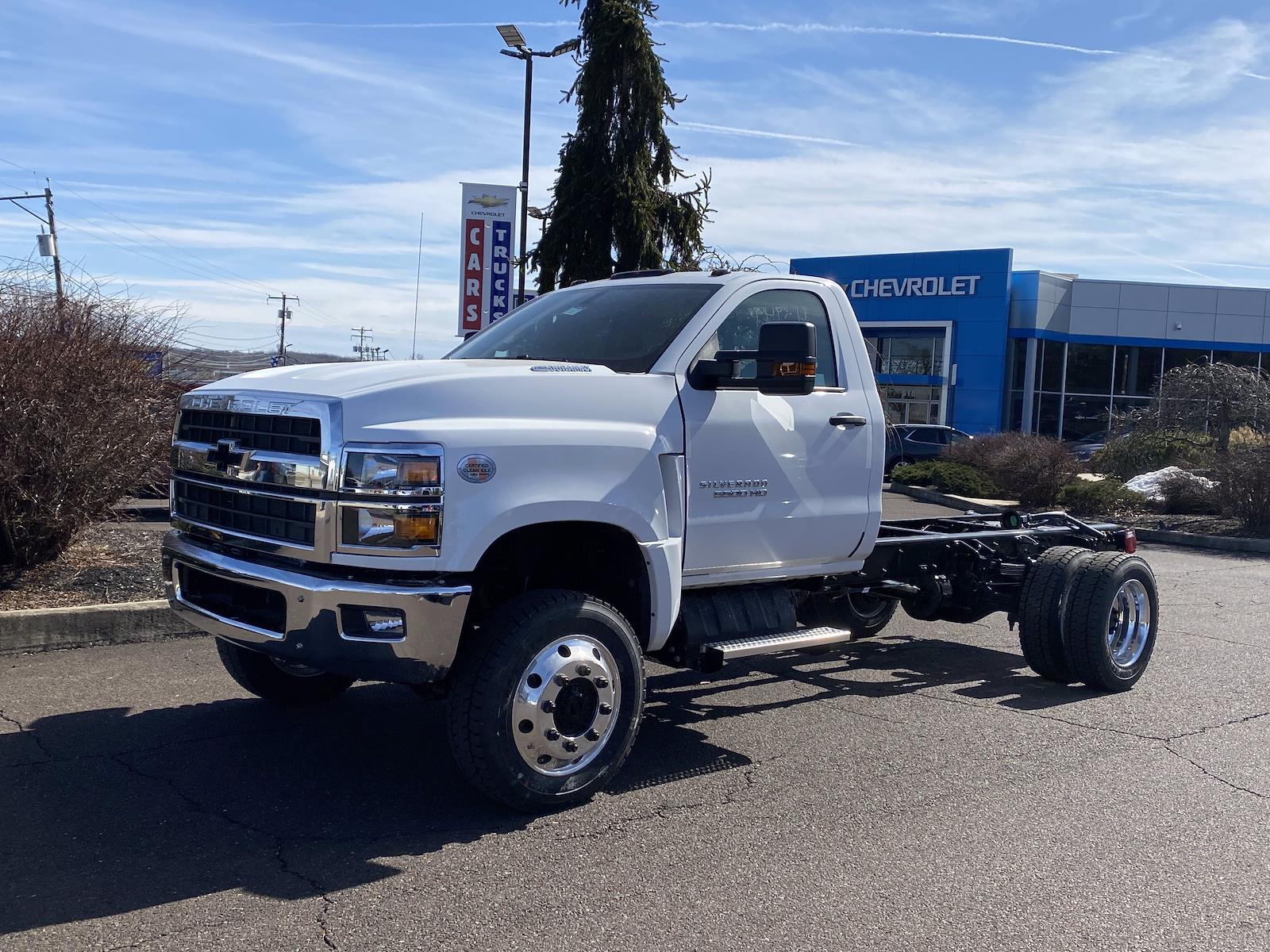 2021 Chevrolet Silverado 5500 Regular Cab DRW 4x4, Cab Chassis #1360R - photo 3