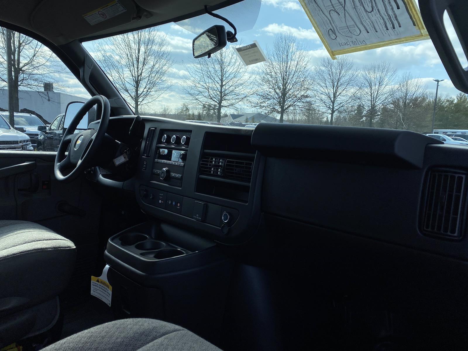 2021 Chevrolet Express 3500 4x2, Supreme Cutaway Van #1430R - photo 11