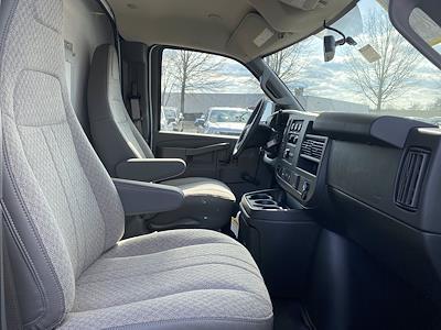 2021 Chevrolet Express 3500 4x2, Supreme Cutaway Van #1430R - photo 12