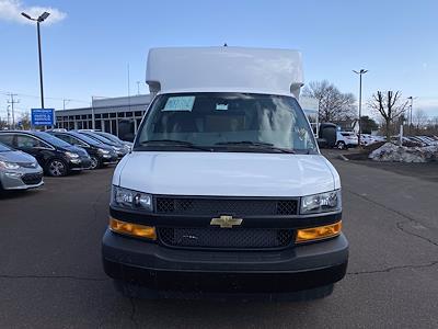 2021 Chevrolet Express 3500 4x2, Supreme Cutaway Van #1430R - photo 3