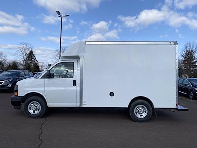2021 Chevrolet Express 3500 4x2, Supreme Cutaway Van #1430R - photo 2