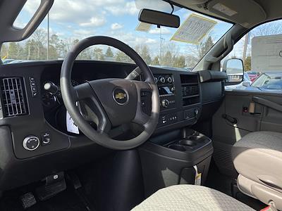 2021 Chevrolet Express 3500 4x2, Supreme Cutaway Van #1430R - photo 7