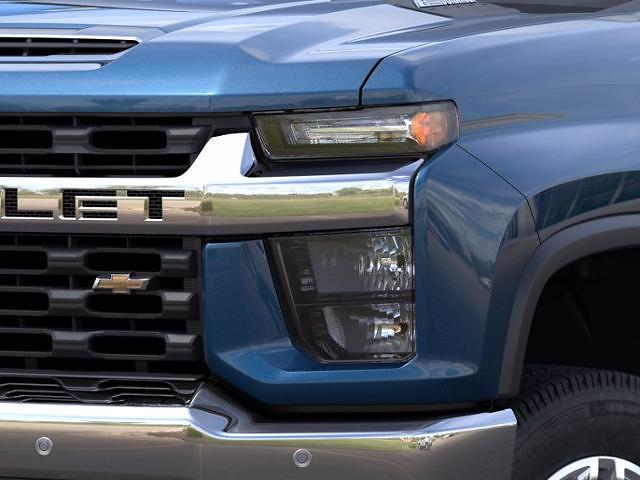 2021 Chevrolet Silverado 2500 Crew Cab 4x4, Pickup #1441R - photo 3