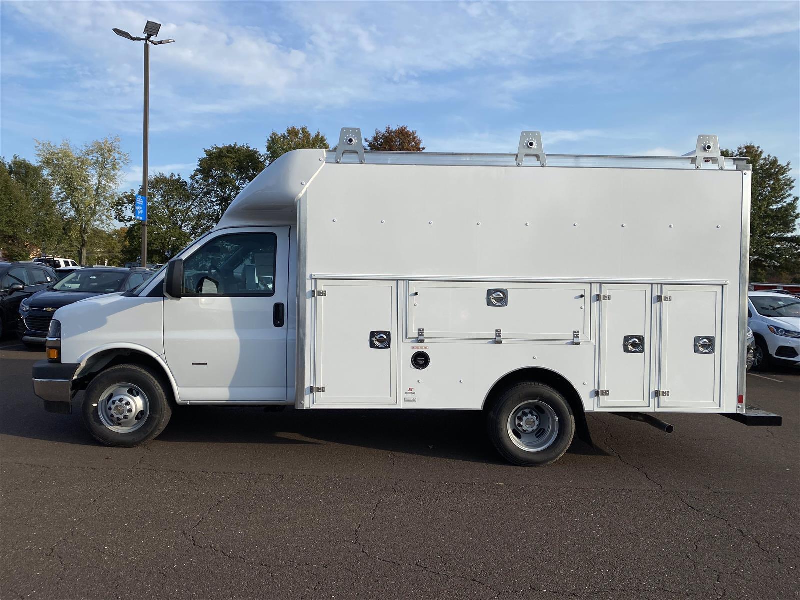 2020 Chevrolet Express 3500 4x2, Service Utility Van #1989Q - photo 4