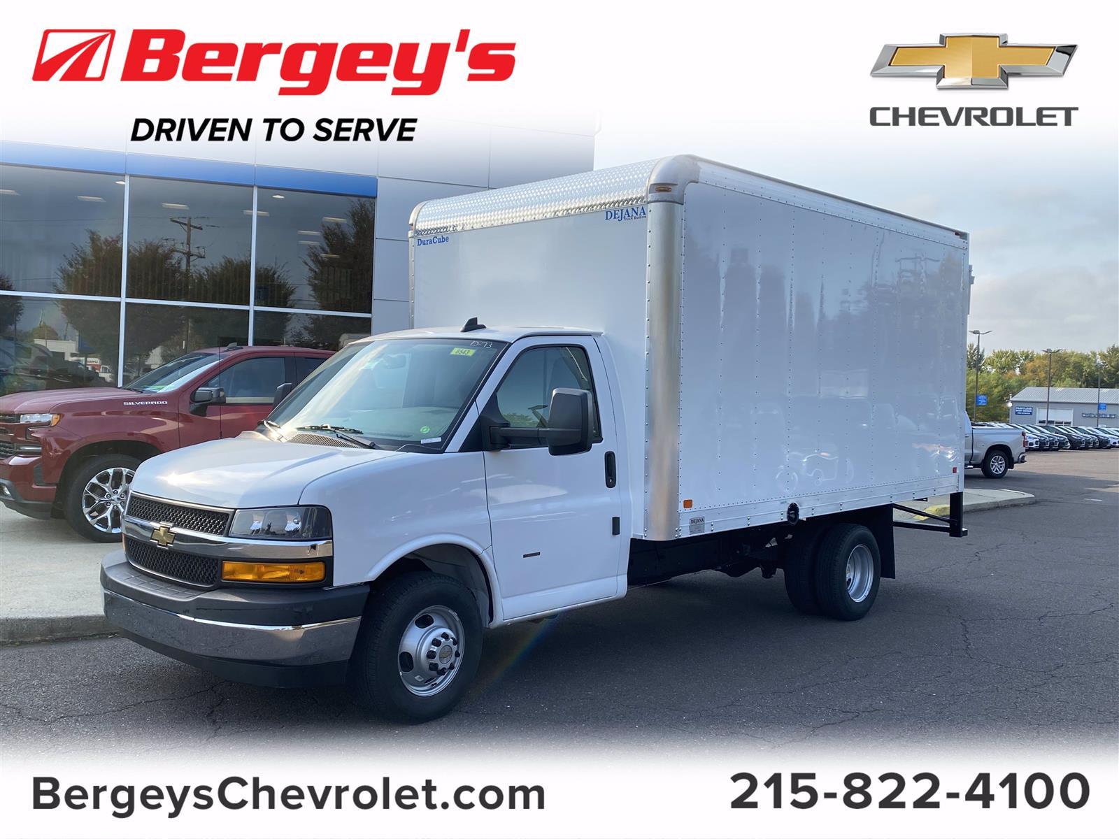 2020 Chevrolet Express 3500 4x2, Dejana Cutaway Van #2004Q - photo 1