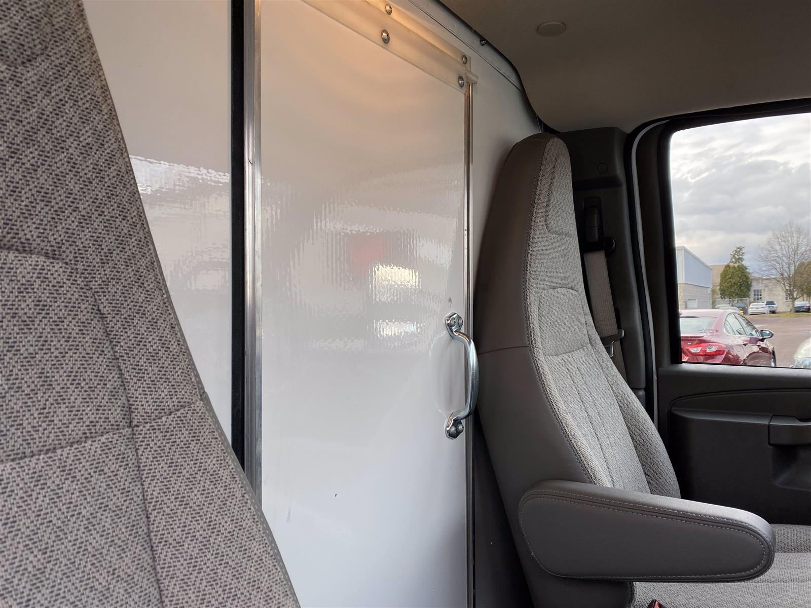 2020 Chevrolet Express 3500 4x2, Cutaway Van #2015Q - photo 13
