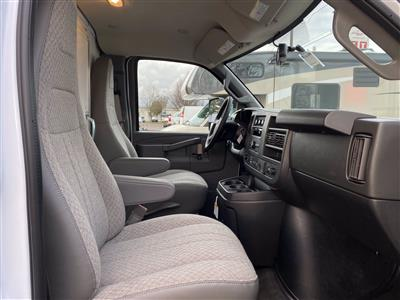 2020 Chevrolet Express 3500 4x2, Cutaway Van #2015Q - photo 16