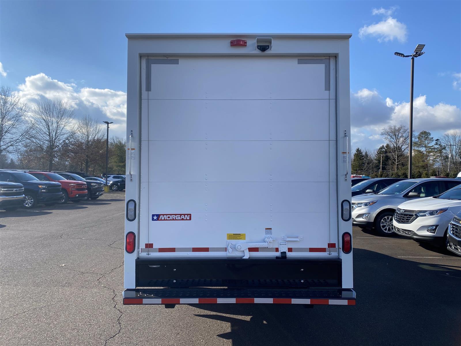 2020 Chevrolet Express 3500 4x2, Cutaway Van #2028Q - photo 4