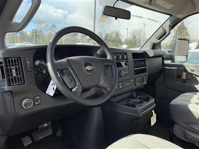 2020 Chevrolet Express 3500 4x2, Cutaway Van #2028Q - photo 6