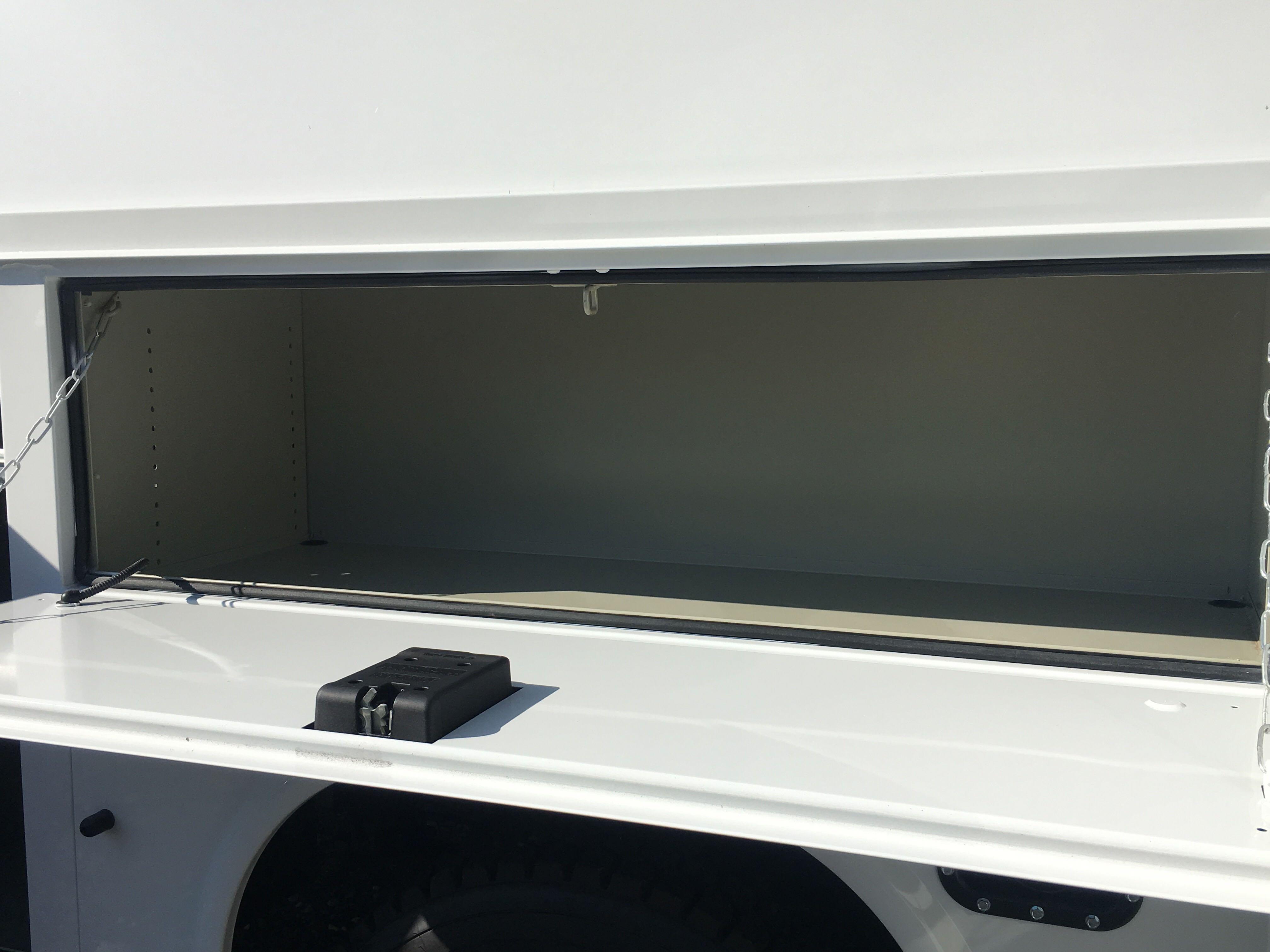 2019 Chevrolet Silverado 5500 Crew Cab DRW 4x2, Knapheide KUVcc Service Body #2127P - photo 18