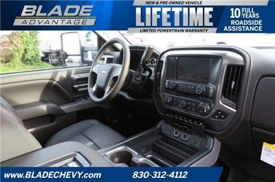 2018 Silverado 3500 Crew Cab 4x4,  Pickup #10310 - photo 28