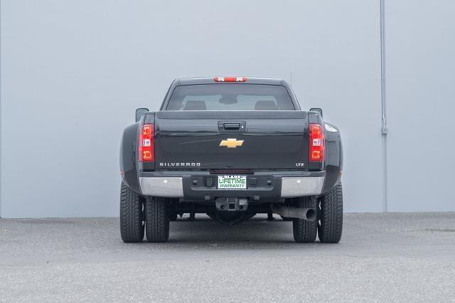 2012 Chevrolet Silverado 3500 Crew Cab 4x4, Pickup #H621 - photo 1