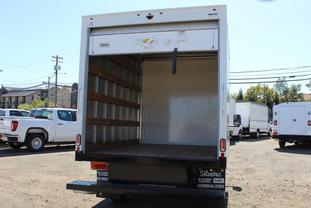 2018 GMC Savana 3500 4x2, Supreme Iner-City Cutaway Van #3181011 - photo 8