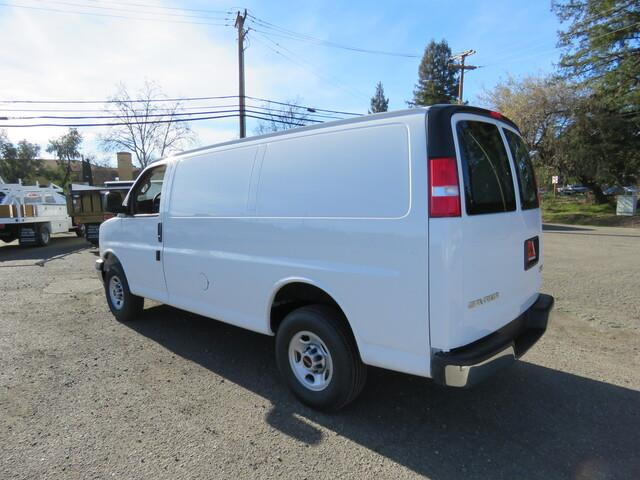 2021 GMC Savana 2500 4x2, Empty Cargo Van #3210203 - photo 3