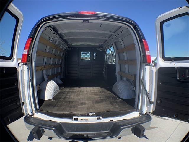 2018 Chevrolet Express 2500 4x2, Empty Cargo Van #A15447 - photo 1