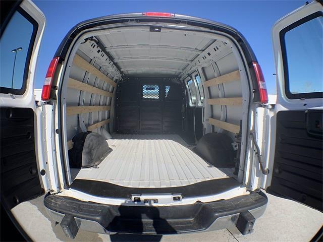 2018 GMC Savana 2500 4x2, Empty Cargo Van #A15485 - photo 1