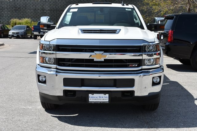 2018 Silverado 3500 Crew Cab 4x4 Pickup #C20064 - photo 3
