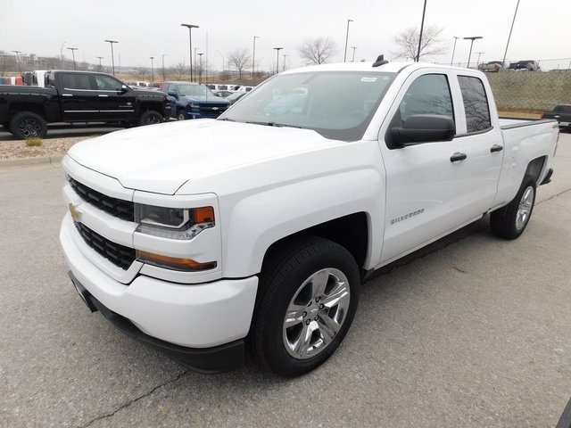 2018 Silverado 1500 Double Cab 4x4,  Pickup #C20992 - photo 3