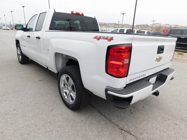 2018 Silverado 1500 Double Cab 4x4,  Pickup #C20992 - photo 4