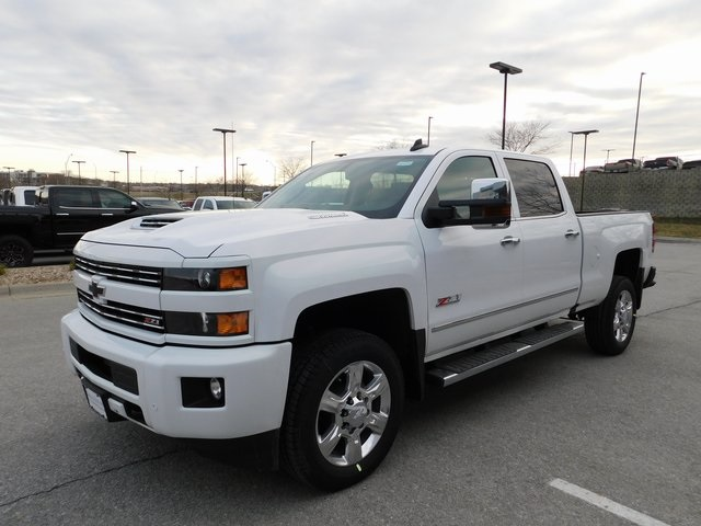2018 Silverado 2500 Crew Cab 4x4,  Pickup #C21175 - photo 3