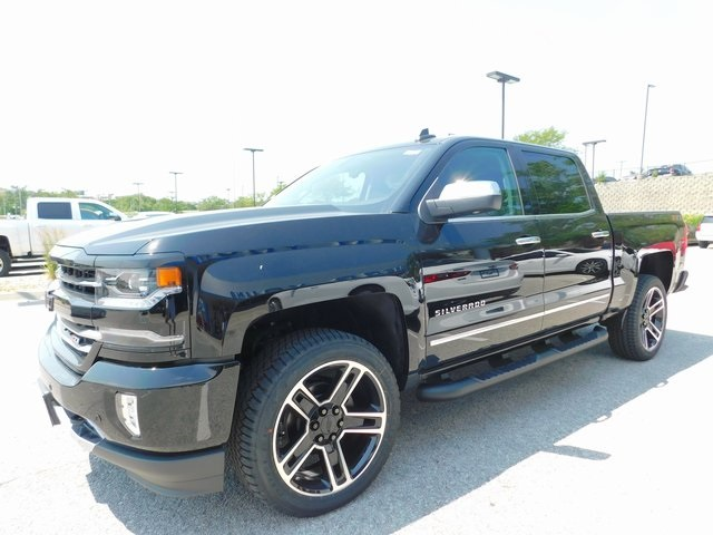 2018 Silverado 1500 Crew Cab 4x4,  Pickup #C21721 - photo 4