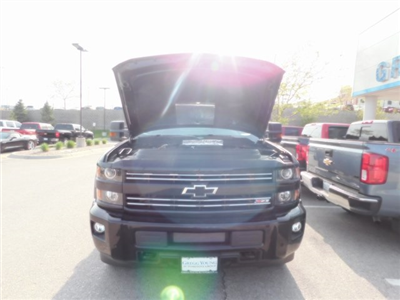 2018 Silverado 2500 Crew Cab 4x4, Pickup #T21371 - photo 21